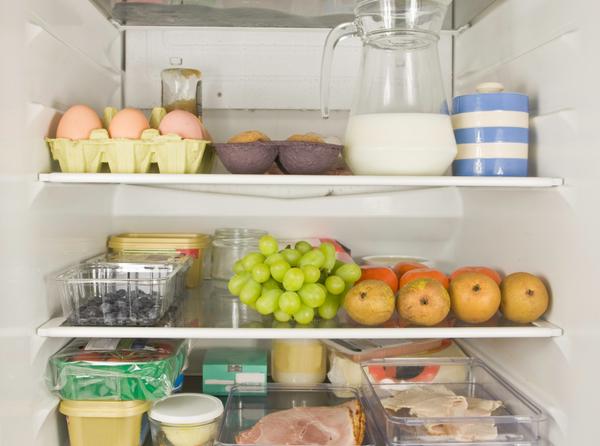 Как правильно хранить продукты, чтобы сохранить свежесть. Эта инфографика поможет каждой хозяйке!
